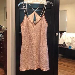Sequins sheath mini dress with keyhole back